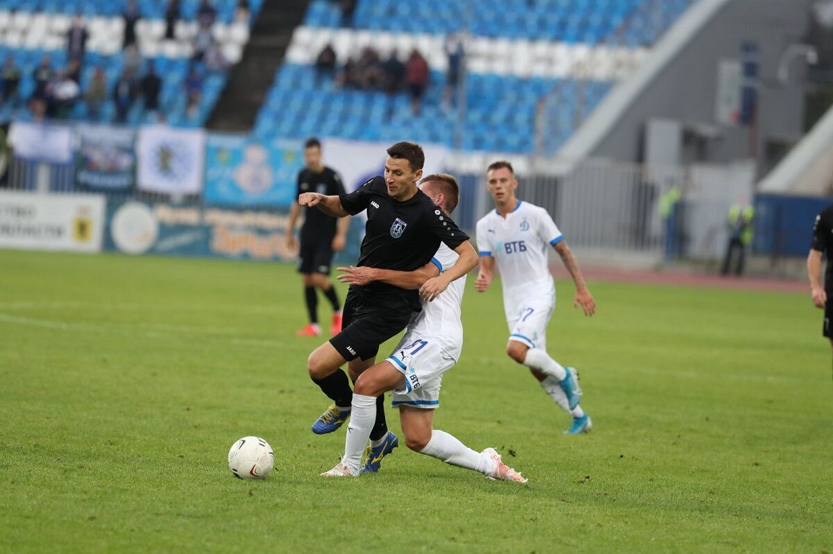 Футболисты «Динамо-2» уступили «Шиннику» в Ярославле