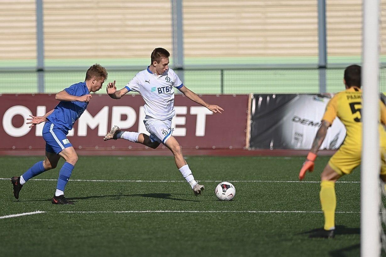 Футболисты «Динамо-2» разгромили «Чертаново» благодаря хет-трику Гладышева